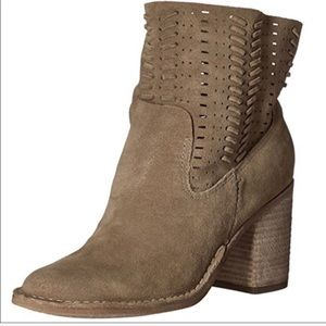 Leather Dolce vita ankle boot